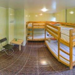 Хостел Олимп Стандартный семейный номер с двуспальной кроватью фото 8
