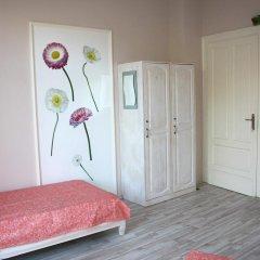 Отель Ulpia House Стандартный номер с двуспальной кроватью (общая ванная комната) фото 3