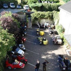Hotel aux Bruyeres парковка