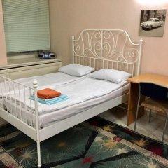 Гостиница Petrograd Na Zhukovskogo 39 Стандартный семейный номер с двуспальной кроватью (общая ванная комната)
