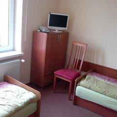 Отель Bluszcz 2* Номер категории Эконом с различными типами кроватей фото 3