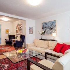 Апартаменты Collectors Victory Apartments Стокгольм комната для гостей фото 2