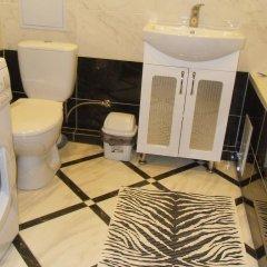 Гостиница V Serebristyh Ottenkah Украина, Каменец-Подольский - отзывы, цены и фото номеров - забронировать гостиницу V Serebristyh Ottenkah онлайн ванная