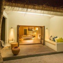 Отель Cocoon Maldives 5* Вилла с различными типами кроватей фото 6