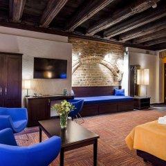 Отель Palazzo Rosso Польша, Познань - отзывы, цены и фото номеров - забронировать отель Palazzo Rosso онлайн комната для гостей фото 2