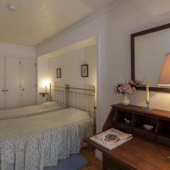 Отель Casa De Casal De Loivos сейф в номере