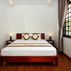 Отель Azalea Homestay 2* Улучшенный номер с различными типами кроватей фото 3