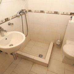 Отель Roxy Сербия, Белград - отзывы, цены и фото номеров - забронировать отель Roxy онлайн ванная