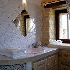 Отель Le Mas de la Treille Bed & Breakfast 3* Стандартный номер с различными типами кроватей фото 4