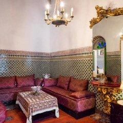 Отель 2 BR Charming Apartment Fes Марокко, Фес - отзывы, цены и фото номеров - забронировать отель 2 BR Charming Apartment Fes онлайн интерьер отеля фото 3