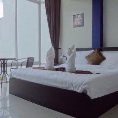 Отель But Different Phuket Guesthouse 3* Улучшенный номер с различными типами кроватей фото 9