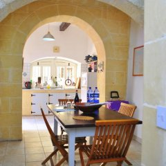 Отель Dar Ghax-Xemx Farmhouse Мальта, Виктория - отзывы, цены и фото номеров - забронировать отель Dar Ghax-Xemx Farmhouse онлайн интерьер отеля фото 3