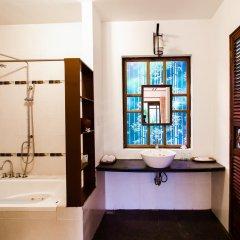 Отель Riverside Bamboo Resort Хойан ванная
