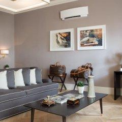 Отель Tornabuoni Suites Collection 3* Люкс с различными типами кроватей фото 3