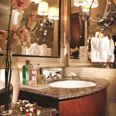 Four Seasons Hotel Macao at Cotai Strip 5* Улучшенный номер с различными типами кроватей