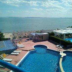 Отель Vega Village бассейн
