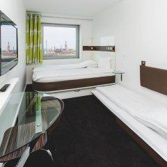 Отель Wakeup Copenhagen - Carsten Niebuhrs Gade 2* Стандартный номер с различными типами кроватей фото 2