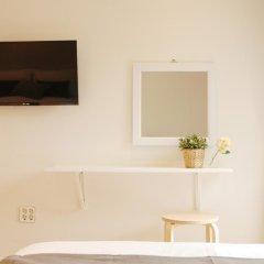 Отель The Mei Haus Hongdae 3* Номер категории Премиум с различными типами кроватей фото 5