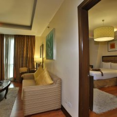 Crown Regency Hotel and Towers Cebu 4* Студия Делюкс с различными типами кроватей