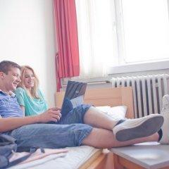 Youth Hostel Zagreb Стандартный номер с различными типами кроватей (общая ванная комната) фото 4