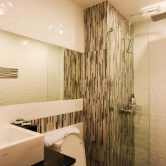 OneLoft Hotel 4* Улучшенный номер с двуспальной кроватью