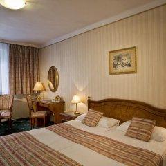 Danubius Hotel Astoria City Center 4* Стандартный номер с различными типами кроватей фото 4