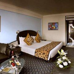 Отель The Suryaa New Delhi 5* Номер Делюкс с различными типами кроватей фото 3