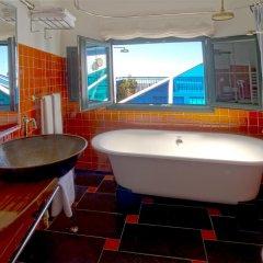 Отель Hostal Casa Alborada Испания, Кониль-де-ла-Фронтера - отзывы, цены и фото номеров - забронировать отель Hostal Casa Alborada онлайн ванная
