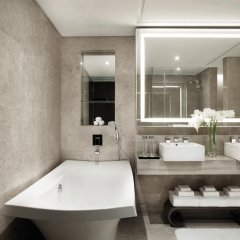 Singapore Marriott Tang Plaza Hotel ванная фото 2