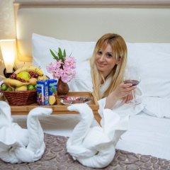 Отель Rustaveli Palace Стандартный семейный номер с двуспальной кроватью фото 32