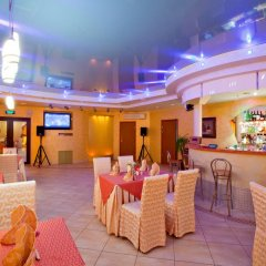 Гостиница Гостиничный Комплекс Эмеральд в Тольятти 4 отзыва об отеле, цены и фото номеров - забронировать гостиницу Гостиничный Комплекс Эмеральд онлайн помещение для мероприятий фото 2