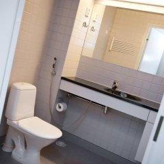 Отель Both Helsinki Кровать в мужском общем номере с двухъярусной кроватью фото 6