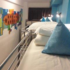 RedDoorz Hostel Кровать в общем номере с двухъярусной кроватью фото 3