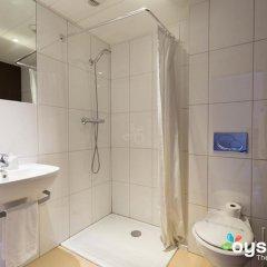 Отель Kyriad Nice Gare Франция, Ницца - 13 отзывов об отеле, цены и фото номеров - забронировать отель Kyriad Nice Gare онлайн ванная