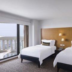 Отель Tower Club at lebua 5* Стандартный номер с различными типами кроватей фото 14