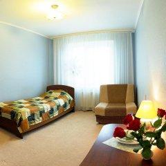 Гостиница Глобус в Перми 1 отзыв об отеле, цены и фото номеров - забронировать гостиницу Глобус онлайн Пермь комната для гостей фото 5