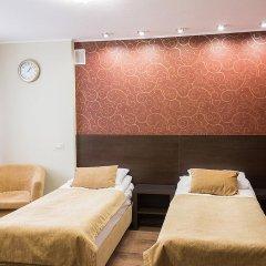 Гостиница Спутник Улучшенный номер с 2 отдельными кроватями фото 2