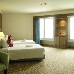 Baiyoke Sky Hotel 4* Улучшенный номер с двуспальной кроватью фото 4