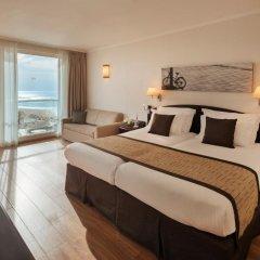 Crowne Plaza Tel Aviv Beach 3* Стандартный номер с двуспальной кроватью фото 2