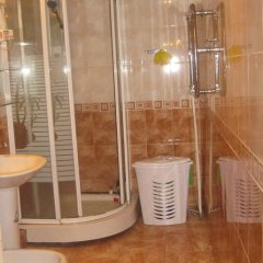 Отель Modern Flat in the heart of Yerevan ванная фото 2
