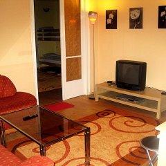 Anadin Female Hostel (хостел для женщин) развлечения
