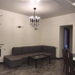 Апартаменты Rent in Yerevan - Apartments on Sakharov Square комната для гостей