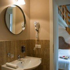 Отель Black 5 Florence 4* Стандартный номер с двуспальной кроватью фото 16
