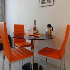 Отель Zoya Apartment Болгария, Бургас - отзывы, цены и фото номеров - забронировать отель Zoya Apartment онлайн удобства в номере фото 2