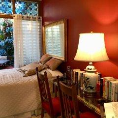 Отель Dickinson Guest House 3* Стандартный номер с различными типами кроватей фото 7