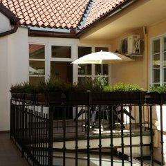 Отель U Svejku Чехия, Прага - отзывы, цены и фото номеров - забронировать отель U Svejku онлайн балкон
