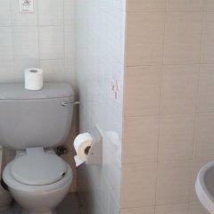 Отель Constantaras Apartments Кипр, Протарас - отзывы, цены и фото номеров - забронировать отель Constantaras Apartments онлайн ванная