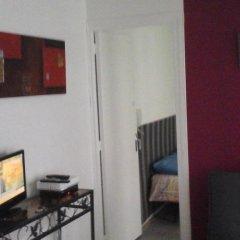 Апартаменты FAY Notre-Dame Apartment Париж комната для гостей фото 2
