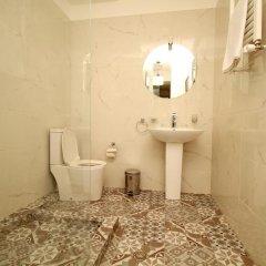 Отель Tbilisi View 3* Улучшенный номер с 2 отдельными кроватями фото 3
