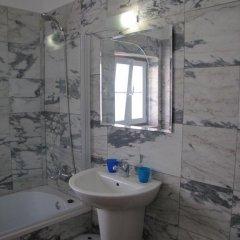 Отель Beautiful Flat In Historical Heart ванная фото 2